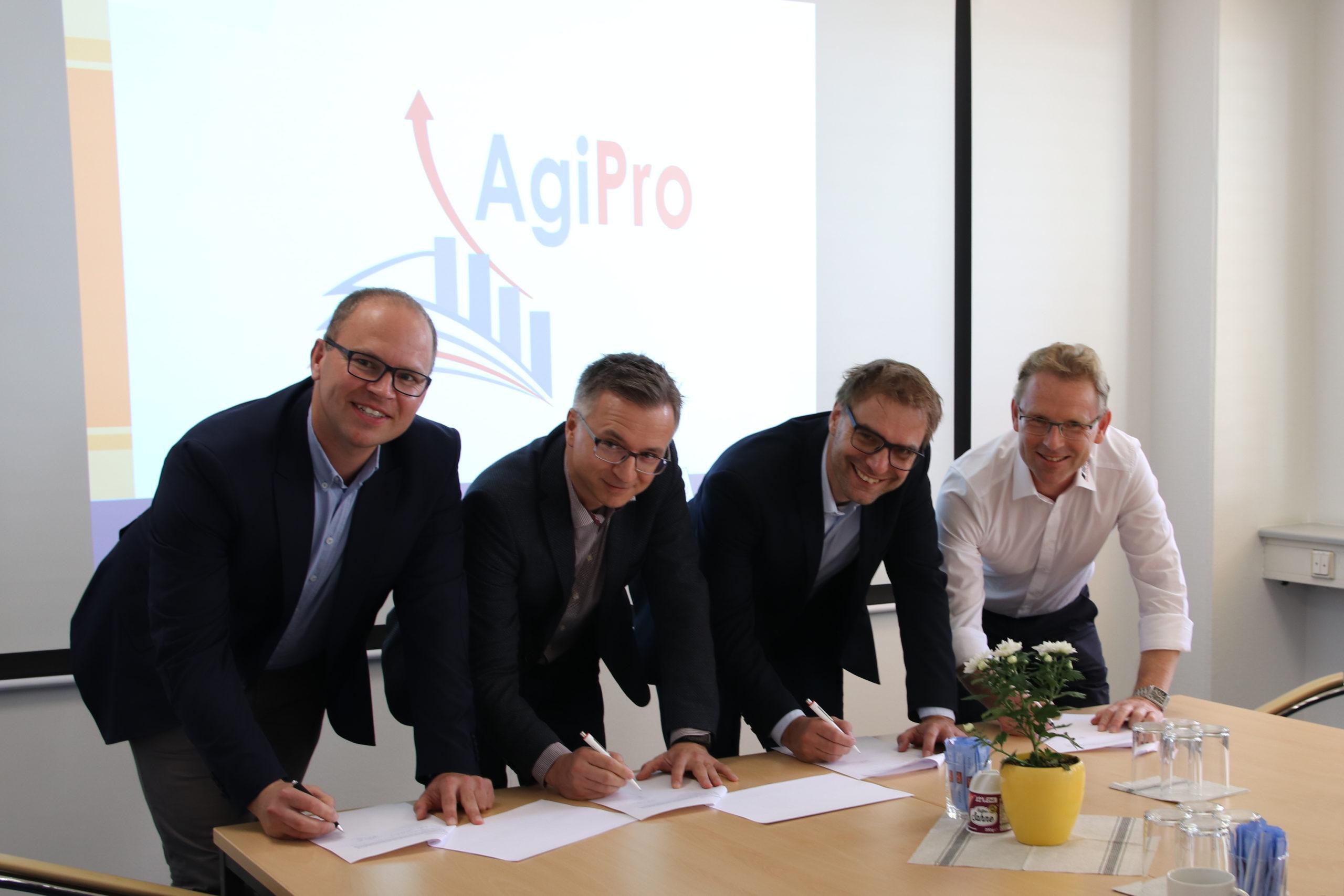 Bonsack Präzisionstechnik, Sczesny Werkzeugbau, Noblex und IWB Industrietechnik unterzeichnen Kooperationsvereinbarung